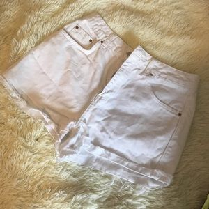 Topshop Moto Mom Shorts white high waisted raw hem